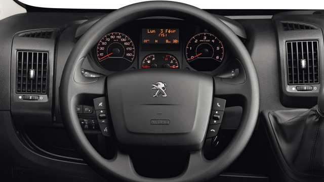 /image/06/2/peugeot-boxer-photo-interior-2-1920.137062.jpg