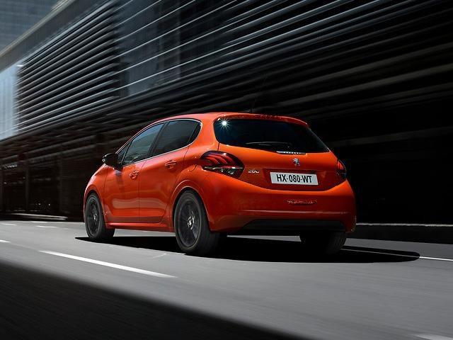 Peugeot_208_back